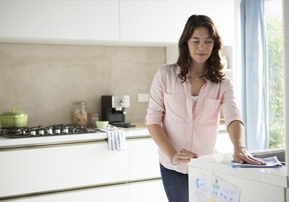 artículo de limpieza sobre limpieza y desinfección de la cocina